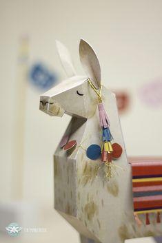 Papertoy Lama & Cactus How to - Diy Cardboard Toys Alpacas, Cardboard Toys, Paper Toys, Paper Crafts Origami, Diy Paper, Llama Peruana, Wedding Freebies, Llama Christmas, Flamingo