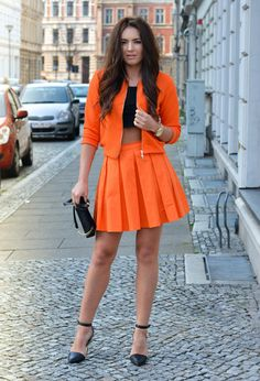 Style Inspiration: Mohito orange look | 1 - Mohito Skirts / 2 - Mohito Blazers