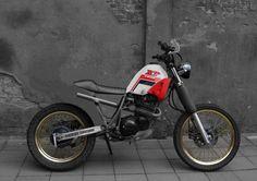 XT600 Scarmbler Red Tracker Motorcycle, Scrambler Motorcycle, Moto Bike, Xt 600 Scrambler, Yamaha Xt 600, Cafe Racer Moto, Custom Cafe Racer, Custom Cycles, Custom Bikes