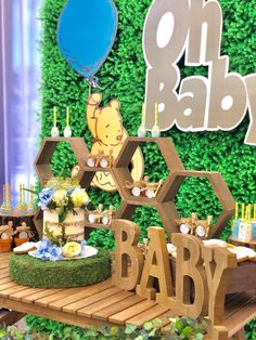 Baby Shower Deco, Baby Shower Backdrop, Shower Party, Baby Shower Themes, Baby Boy Shower, Shower Ideas, Winnie The Pooh Decor, Winnie The Pooh Birthday, Vintage Winnie The Pooh