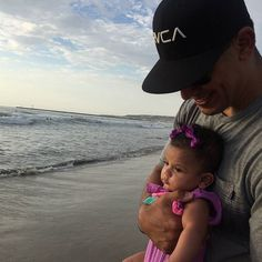 Love everything about this picture Thank you @lilyzhope  #fatherdaughter #love #oceanbeach #sandiego #mermaidlife #mermaidintraining by evil_hairdoer29