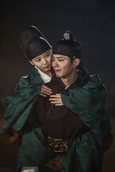 Moonlight Drawn by Clouds Love In The Moonlight Kdrama Wallpaper, Moonlight Drawn By Clouds Wallpaper, Moonlight Korean Drama, Korean Drama Stars, Korean Star, Korean Actresses, Korean Actors, Korean Dramas, Park Bo Gum Moonlight