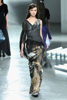 Want this dress, you know you do. | These Star Wars Dresses Win Fashion Week