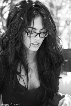 Apparently this is Megan Fox. I don't even like Megan Fox. But I like this picture, so I guess this is going to stay here. Ashley Nicole, Girl Crushes, Glamour, Google, Glasses, Long Hair Styles, Beautiful, Beauty, Fashion