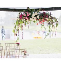 Ceremony backdrop swing snapped by @fieldsandskies at @oakovergrounds. Gold Tiffany chairs by @thelittlelendingcollective #perthweddings #swanvalleywedding #perthchairhire #oakovergrounds #katiecooperfloraldesign #thelittlelendingcollective #hangingflowers