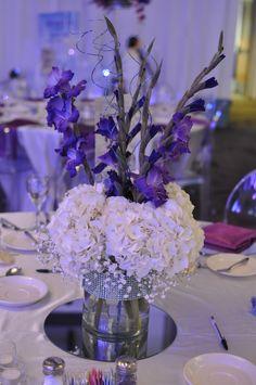floral arrangement. Centerpiece. Hydrangea. Gladiola