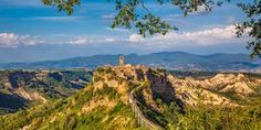 Civita di Bagnoregio Airbnb verblijf Sustainability, Tiny House, Outdoor, Outdoors, Tiny Houses, Outdoor Games, The Great Outdoors, Sustainable Development