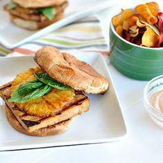 Teriyaki Tofu Sliders with Grilled Pineapple and Sriracha Aioli! Yummy! #vegetarian #tofu #pineapple