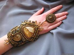 embroidered cuff by Orubis