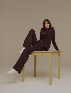 Jamie Bochert welcomes in the fall season on the cover of Evening Standard Magazine's latest issue. Photographed by Liam Warwick, the brunette model gets clad in all black wearing a look from Louis Vuitton. The magazine's fashion director Nicky Yates selects a wardrobe of relaxed suiting and menswear inspired separates for the shoot.  Jamie looks …