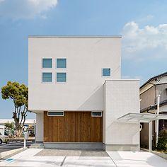 愛知・名古屋の注文住宅ならクラシスホームへ。自由設計でありながら価格を抑えてデザイン性の高い注文住宅をご提案しています。 Japanese Architecture, Contemporary Architecture, Interior Architecture, Japan Modern House, Storey Homes, Minimal Home, Building Exterior, Japanese House, Tiny House Design