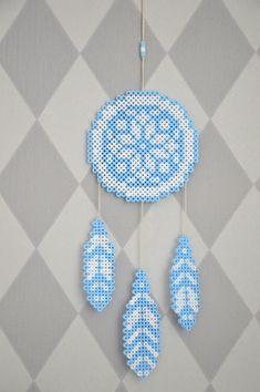 Popetotrora: Drömfångare och kärlekshistorier Melty Bead Patterns, Pearler Bead Patterns, Perler Patterns, Perler Bead Mario, Diy Perler Beads, Beaded Jewelry Patterns, Beading Patterns, Hama Beads Design, Peler Beads