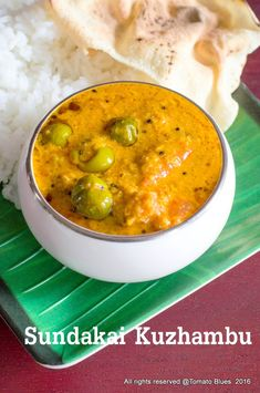 Sundakkai kuzhambu or pacha sundakai kuzhambu is a delicious chettinad style kuzhambu made with fresh turkey berries and eggplants. Indian Veg Recipes, Veggie Recipes, Soup Recipes, Vegetarian Recipes, Cooking Recipes, Free Recipes, Kulambu Recipe, Tunisian Food, Rasam Recipe