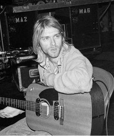 """Kurt's face expression is like: """"huh? Why are you being so stupid,,,,"""""""