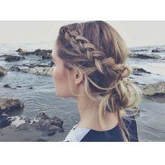 Messy bun with braided bangs | summer hair | easy undo |