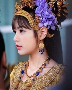 [Wallpaper KS Wallpaper Lisa BLACKPINK 2018 Special Traditional Thai Clothing and Costume Songkran Day 2018 800 x 992 for Android/Iphone Dimensions : 800 Lisa Black Pink, Black Pink Kpop, Lisa Bp, Jennie Lisa, Kpop Girl Groups, Kpop Girls, Photographie Portrait Inspiration, Lisa Blackpink Wallpaper, Blackpink Photos