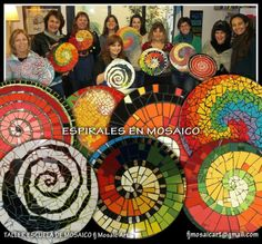 Spirals Mosaic Workshop ~ FJ Mosaic Art - Mosaic Workshop Programming School in Buenos Aires, Argentina Mosaic Diy, Mosaic Garden, Mosaic Crafts, Mosaic Projects, Mosaic Glass, Mosaic Tiles, Art Projects, Mosaics, Stained Glass