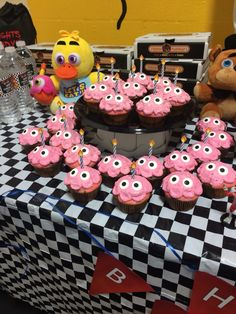 FNAF Chica and cupcakes Five Nights at Freddy's