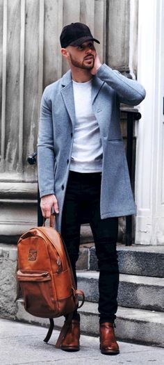 5 Fall Winter Essentials For Men Who Like Being Warm But Fashionable. What do men need to be fashionable during the fall and winter? These five items are all you need to create an amazing outfit. Stylish and edgy casual winter fall outfits for men. Casual Winter Outfits, Winter Fashion Outfits, Men Casual, Fall Outfits, Winter Outfit For Men, Man Style Casual, Formal Outfits, Trendy Style, Smart Casual