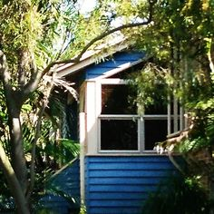 Idyllic little beach house in Peregian Beach Queensland nestled in smong the palms will keep the summer heat at bay. Summer Heat, Palms, Beach House, Interior Design, Architecture, Outdoor Decor, Home Decor, Beach Homes, Nest Design