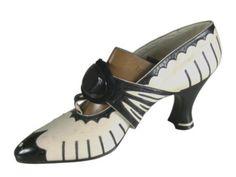 """""""Salome"""" shoes, 1920-1928, Paris, via Musée International de la Chaussure."""