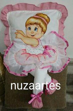 Almofada de perninha | Bailarina | com pintura em tecido