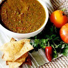 Tomato, tomata. Try this classic Heirloom Tomato Salsa #salsa #delicioso