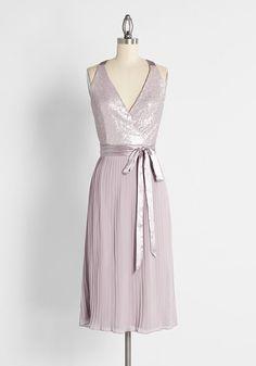 1960s Fashion: What Did Women Wear? Pink Midi Dress, Pleated Midi Skirt, Dress Black, 1960s Dresses, Vintage Dresses, Unique Dresses, Cute Dresses, Party Dresses, Wedding Dresses