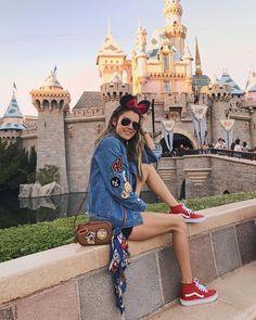 "17.3 mil Me gusta, 182 comentarios - CHRISTINE ANDREW (@hellofashionblog) en Instagram: ""Disneyland ❤️🐭"" Disneyland Orlando, Disneyland Photos, Disneyland Outfits, Disneyland Trip, Disney Vacations, Disneyland Outfit Summer, Hongkong Disneyland Outfit, Disney Trips, Disney World Outfits"