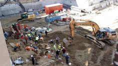 Construction crews working on an apartment building in Philadelphia's historic district got a shock last month when their backhoes started hitting coffins and unearthing fully intact human remains. Construction News, Old City, Geology, Archaeology, Coffin, 18th Century, Philadelphia, The Neighbourhood, Old Things