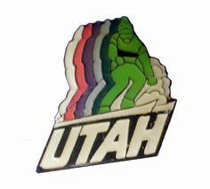 UTAH STATE vintage enamel pin lapel badge UT Ski powder mountain