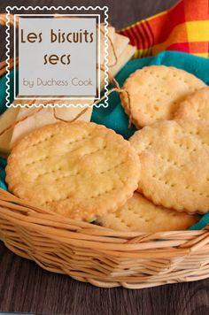 Les biscuits salés sont un incontournable de nos pâtisseries boulangeries aux Antilles. SImples, appréciés de tous, réalisez-les facilement à la maison... Biscuit Cookies, Biscuit Recipe, Vegan Cake, Vegan Desserts, Vegan Gains, Haitian Food Recipes, Creole Recipes, Caribbean Recipes, Food Inspiration