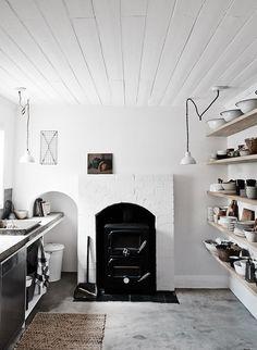 shabby chic kitchen designs – Shabby Chic Home Interiors Kitchen Ikea, Kitchen Interior, Kitchen Decor, Kitchen Design, Open Kitchen, Kitchen Rustic, Stylish Kitchen, Kitchen Shelves, Country Kitchen