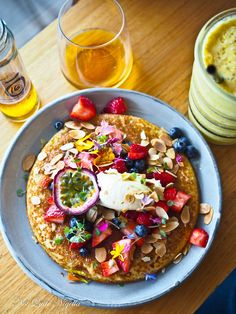 Best Pancakes in Sydney. Light and fluffy berry pancakes with ricotta from Harrys in Bondi Beach. Ricotta, Sydney, Tasty Pancakes, Pancake Day, Beach Meals, Bondi Beach, Lorraine, Places To Eat, Nutella