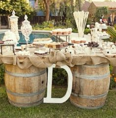 The perfect cupcake or drink table!