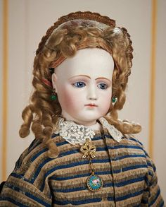 Portrait Poupee by Pierre-Francois Jumeau Wooden Articulated Body and Bisque Arms 8000/10,000 Auctions Online | Proxibid