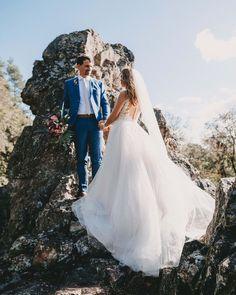 So findest du dein perfektes Hochzeitskleid 💓 #brautkleider #brautstrauß #braut #brautfrisur #hochzeit #hochzeitskleid Olivia Burton, Wedding Dresses, Beauty, Instagram, Outdoor, Fashion, Sporty Chic, Sporty Look, Nice Hairstyles