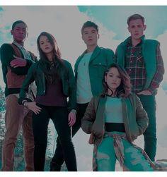 Power Rangers Movie 2017, Go Go Power Rangers, Show Power, Power Rengers, Hero Movie, Movie Tv, Disney Princess Halloween Costumes, Dacre Montgomery, Naomi Scott