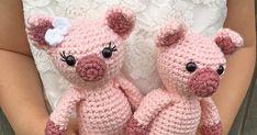 Mini Amigurumi Pig - A Free Crochet Pattern - Grace and Yarn Crochet Pig, Crochet Eyes, Crochet Gratis, Crochet Patterns Amigurumi, Crochet Dolls, Crochet Yarn, Free Crochet, Giraffe Crochet, Giraffe Pattern