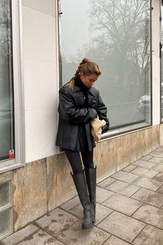 Casual Winter Outfits, Winter Fashion Outfits, Autumn Winter Fashion, Fall Outfits, Winter Boots Outfits, Winter Fits, Winter Looks, Blazer Outfit, Elegantes Outfit