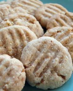 The Winning Cookie.Toffee Almond Sandies- The Winning Cookie…Toffee Almond Sandies Toffee Almond Sandies (Cookie Contest Winner) - Köstliche Desserts, Delicious Desserts, Dessert Recipes, Yummy Food, Easter Desserts, Bar Recipes, Almond Recipes, Health Desserts, Chef Recipes