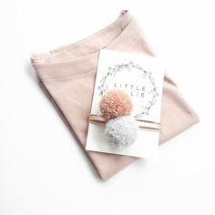 Licht grijs & blush pom pom / goud en roze haarband