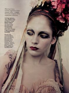 Linda Cantello brings her masterful makeup artistry to the pages of Vogue Russia, with an inspired beauty story. Shot by Paolo Roversi