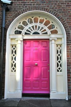Such a pretty pink door entrance
