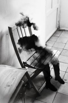"""Madrid-based photographer Silvia Grav's work is best described as """"surreal."""" Paired with poetic captions that Google Translate simply doesn't do justice to, each black-and-white photo manipulation holds a deep artistic meaning."""