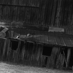 This old abandoned barn is creepy beautiful. I love this picture.