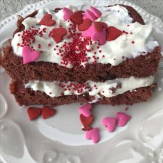 Red Velv-Fit protein cake mix!! Spice up your Valentine's Day with this healthy option!! Rich chocolate flavor with a sweet red velvet twist! To ensure you were completely in love--we topped it off with some mini chocolate chips! Gluten free! High protein! Microwaveable! Www.lilbuff.com
