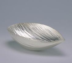 By Maria Jauhiainen. Bowl 2000 Fine silver, electroformed.