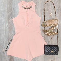 - Details - Size Guide - Model Stats - Contact Wait a minute girl, why you do me like that in this Minette Romper in blush? Featuring a lightweight, chiffon knit fabric with minimal stretch. High neck