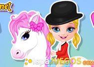 Bay Barbie esta en una bonita granja, has que disfrute las actividades y asi ganar un bonito pony. http://www.ispajuegos.com/jugar8546-Baby-Barbie-Pony.html